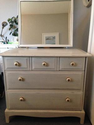Urgent ikea chest of drawers w mirror posot class for Mirror with drawers ikea