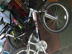 Saracen men's bicycle black and silver mountain bike