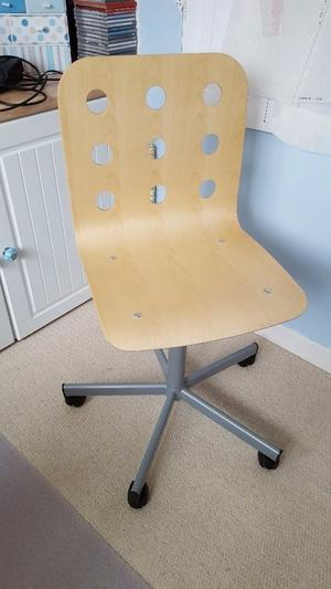 IKEA swivel chair which is as new and now surplus to requirement.