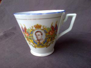 Royal commenmorative mugs Coronation, Jubilee, Charles Dianna trinket,