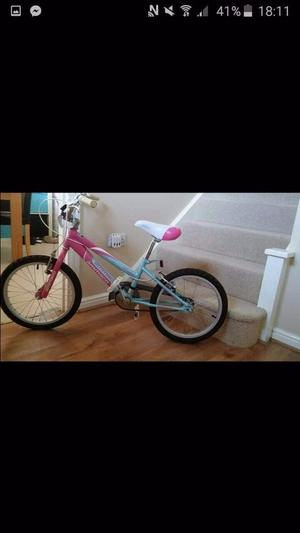 Girls bike excellent condition age 7-9 years
