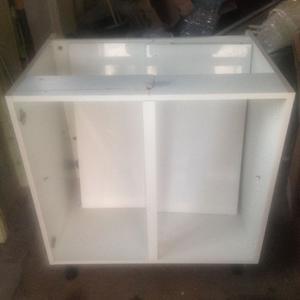 Kitchen trim cornice white gloss howdens posot class for White gloss kitchen base units