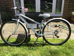 Ladies 700c Hybrid Bike - Very Good Condition