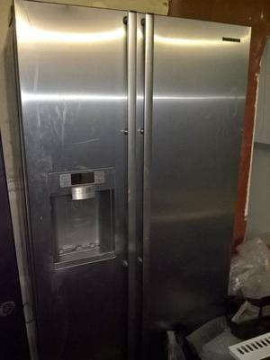 samsung american fridge freezer posot class. Black Bedroom Furniture Sets. Home Design Ideas