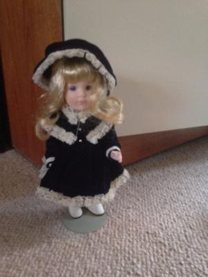 Sailor girl style collectors doll - soo cute. Height 26cm approx.