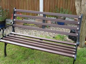 GARDEN BENCH SEAT - OUTDOOR - Great for patio - Summer is coming - Barbeque