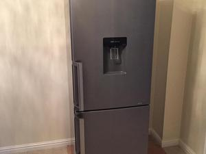 fridge shelf drinks dispenser posot class. Black Bedroom Furniture Sets. Home Design Ideas