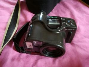 OLYMPUS AZ-330 SUPER ZOOM CAMERA AND JESSOPS CASE