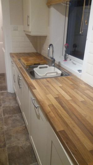 Kitchen Units and Integrated Appliances - £400