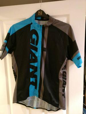 Giant riding jersey