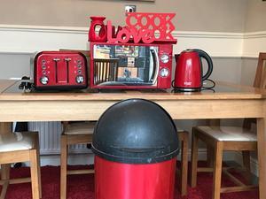 Red kitchen appliances bargain