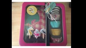 Joules Cupcake Baking Set