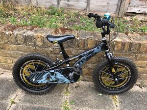 """Kids boys bike - Batman bike 16"""" with helmet"""