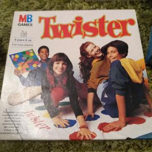 twister board game instructions