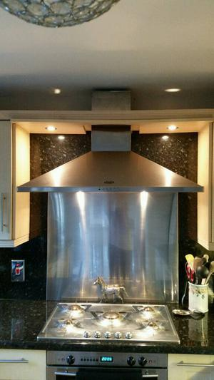mm stainless steel splashback and cooker hood/extractor fan