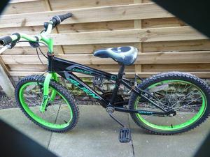 ALIEN GREEN BIKE, SUIT AGE 4 TO 8 YEARS, NICE CONDITION, 16INCH WHEELS, BARGAIN £20, CAN DELIVER