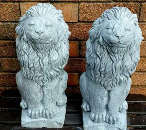 Garden Lion statues