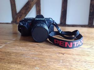 PENTAX P30 CAMERA with ZOOM mm. AF 200SA ELECTRONIC FLASH UNIT INCLUDED