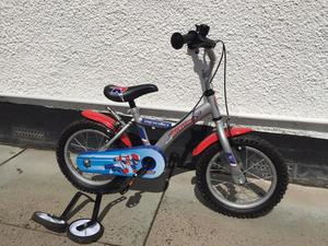 14inch wheel boys bike with stabilisers Apollo from Halfords