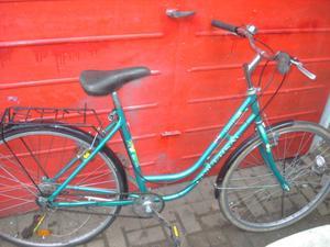 Ladies Universal La Riviera Wheel Town Bike 700c wheels