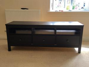 ikea hemnes bookcase and tv bench posot class. Black Bedroom Furniture Sets. Home Design Ideas
