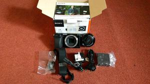 EX-DISPLAY SONY A WITH ALL ACCESSORIES AND LENS