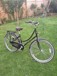 Ammaco Dutch style classic ladies bike