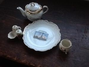 Souvenir and crested ware