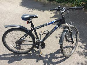 Giant men's small hardtail mountain bike in reasonable condition