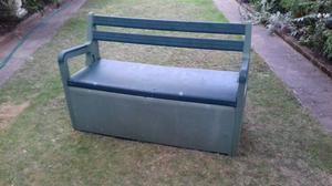 FREE Outdoor Storage Bench