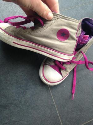 Girls size 10 converse