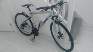 Gt transeo 700c hybrid cross mountain bike