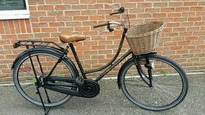 Ladies Dutch town bike