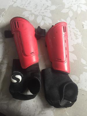 Small shin pads with ankle pads