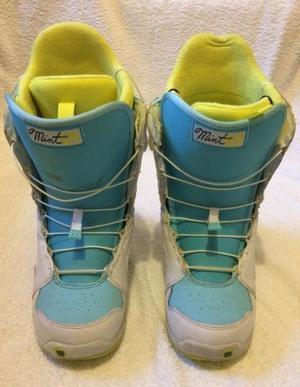 Burton Mint Snowboard Boots Size 6 Blue White Good Conditon