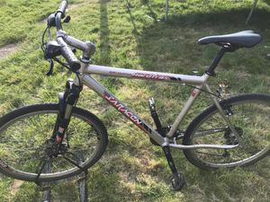Saracen mountain bike front suspension aluminium frame