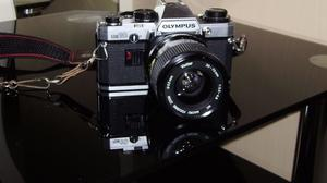 Olympus OM10 SLR Camera including 3 lenses and accessories