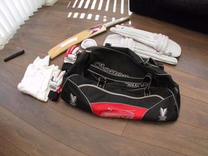 Cricket Bag with pads, gloves and accesories
