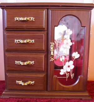 GORGEOUS WOOD EFFECT MUSICAL JEWELLERY BOX-PLAYS Love me Tender