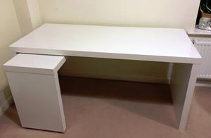 Ikea malm computer desk with pull out side posot class for Ikea desk with pull out panel