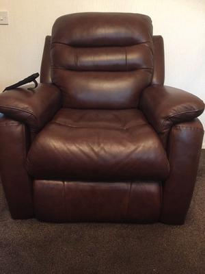 REDUCED, electric lift and rise chair