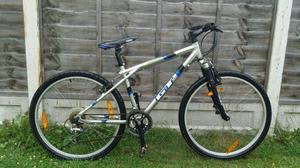 Mens GT 24 speed mountain bike