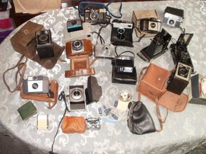 VINTAGE CAMERA COLLECTION WITH CASES AND ACCESSORIES