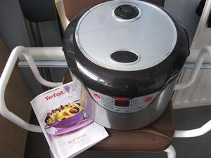 Tefal 8 in 1 cooker. Used but good condition c/w instructions