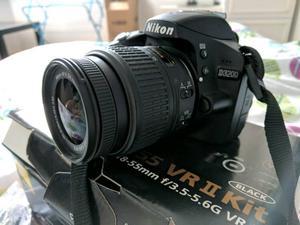 Nikon D Digital SLR (DSLR) Camera with mm VR Lens