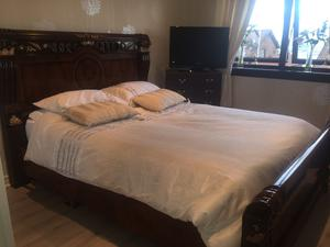 Italian design king size bed with dressing posot class for Dressing a king size bed