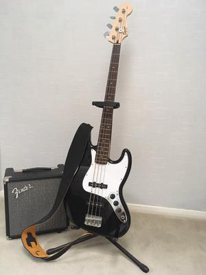 Fender Squier J Bass Guitar with Stand & AMP