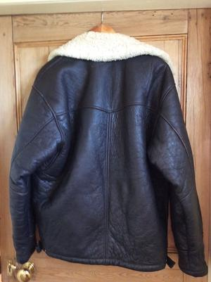 Men's sheepskin/leather jacket size 40 chest, colour dark brown