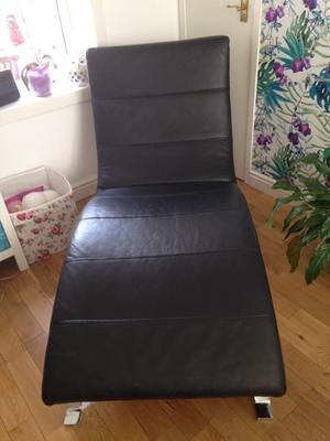 Stylish Black Leather Chaise lounge.
