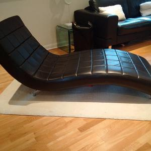 Chaise Lounge Black leather